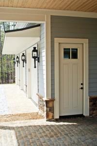 030-greenville-new-construction-lake-home-terior-custom-garage.jpg