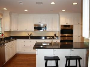 Stunning, new and white kitchen.